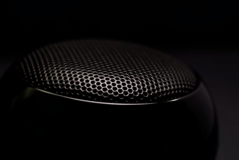 """""""It's outstanding!"""". The portable speaker that is shaking the music market."""